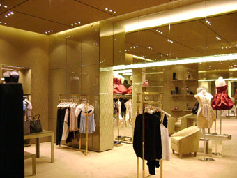 Store interior with mirror panels provided & installed by IMS